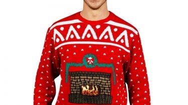 Der Weihnachtspullover mit echtem Kaminfeuer!