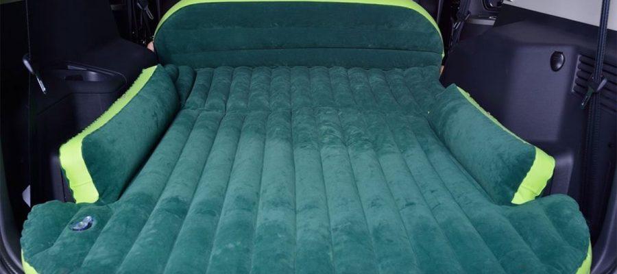 Auto Matratze für die Nacht im Kofferraum